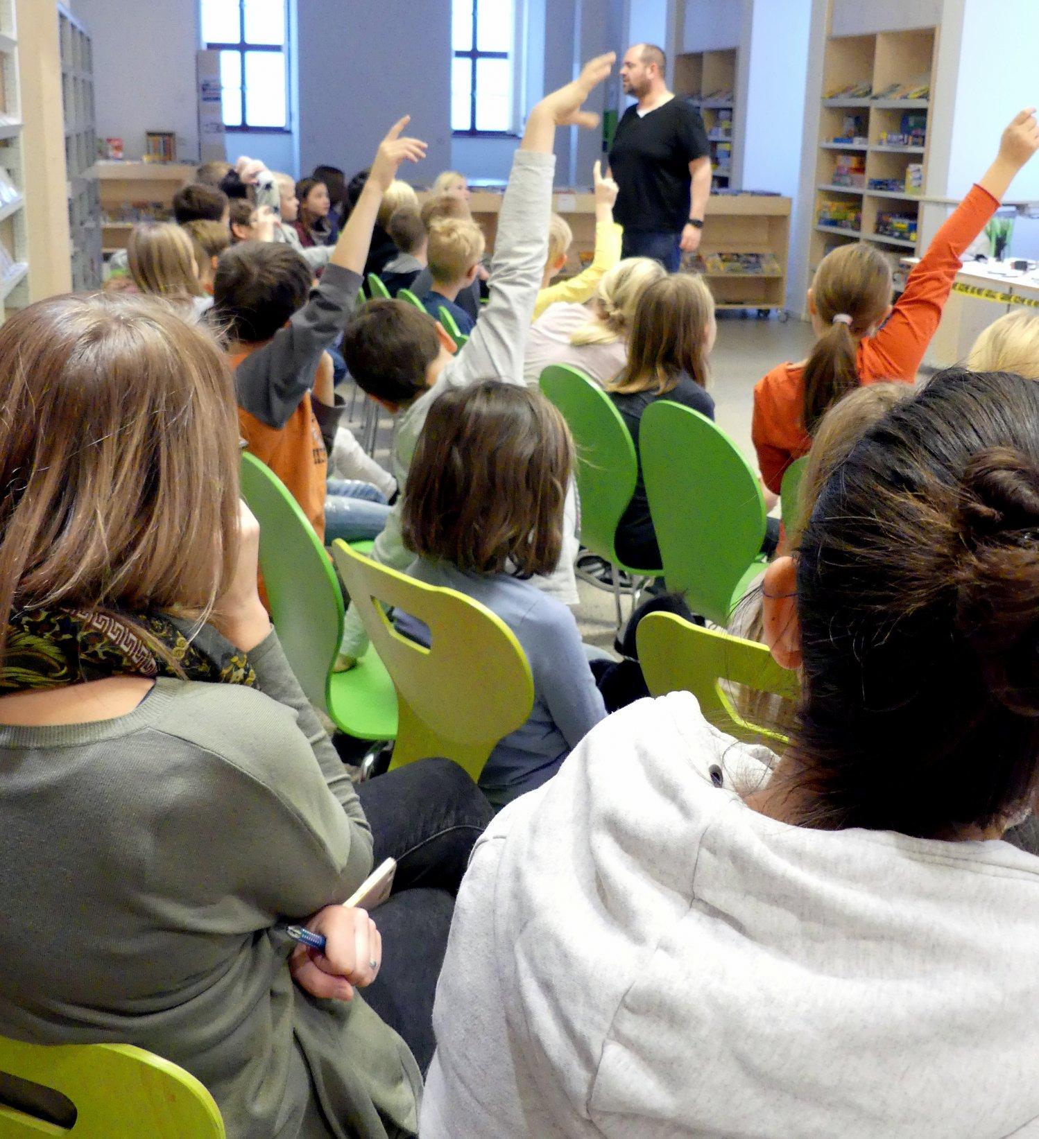 Einbruch in die Bücherei? - Detektiv-Seminar für Kinder Bild