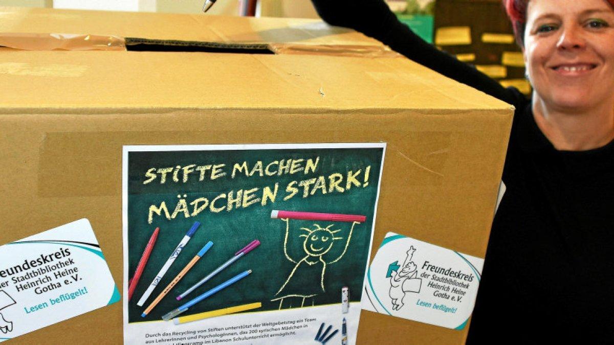 Bibliotheks-Freundeskreis stiftet Bildung an